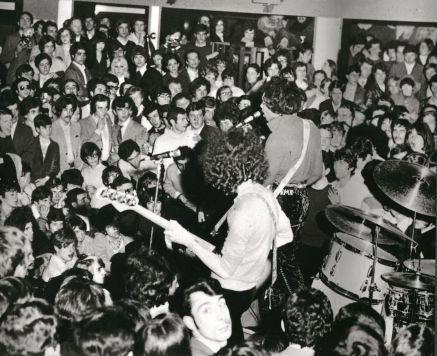 Hendrix - p. 68_b © Archivio Roberto Crema - Per gentile concessione di Jaca Book