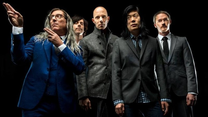 a-perfect-circle-ascolta-eat-the-elephant-album-foto