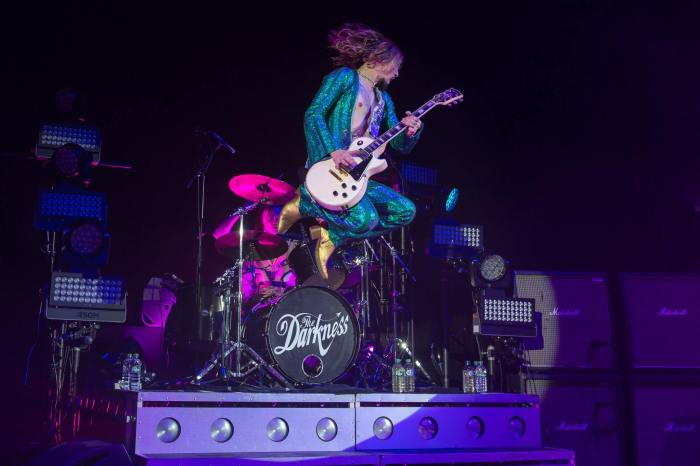 the darkness live hammersmith apollo londra
