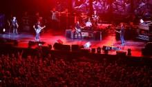 "Pearl Jam Berlino ""Angie"" Rolling Stones e ""Rockin' In The Free World"" con J. Mascis"