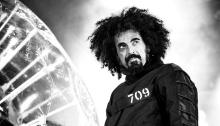 """Caparezza è tornato con il nuovo album dal vivo """"Prisoner 709 Live"""""""