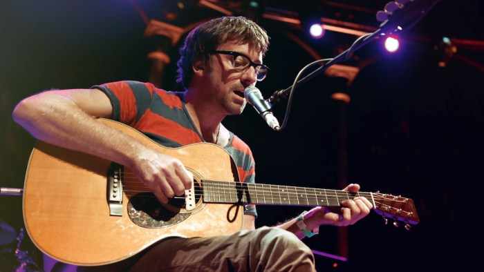 "Graham Coxon ha definito i chitarristi del Britpop ""noiosi"""