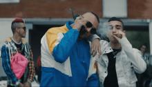 """Gué Pequeno e Capo Plaza nel nuovo video del singolo """"Trap Phone"""" diretto da The Astronauts e con la presenza di Sfera Ebbasta"""