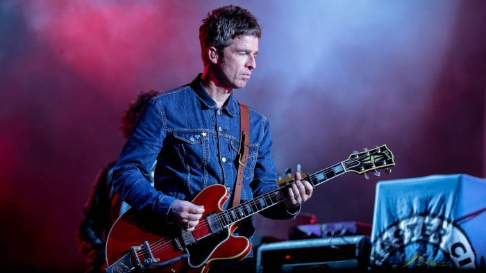 "Noel Gallagher entrerà in studio a gennaio 2019 con David Holmes per registrare il nuovo album seguito di ""Who Built The Moon?"""