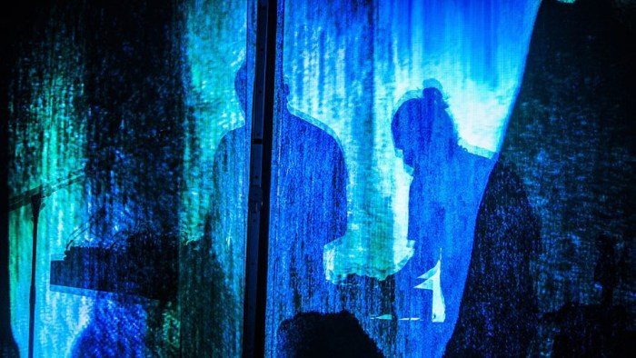 """Thom Yorke pubblica """"Suspirium"""" dalla colonna sonora del remake di """"Suspiria"""" di Dario Argento per la regia di Luca Guadagnino"""