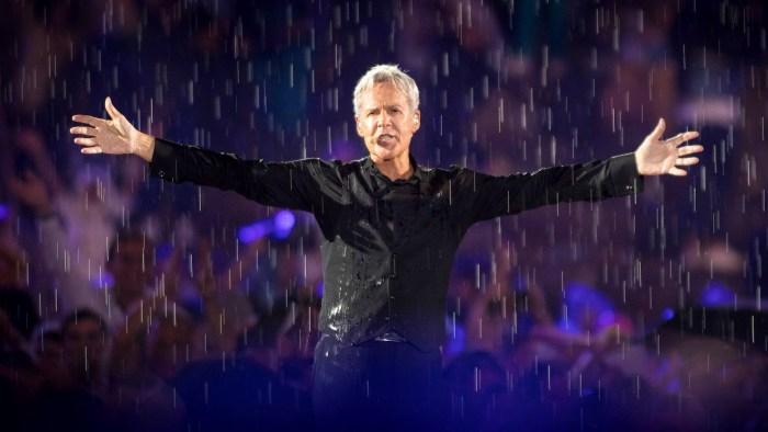 """Claudio Baglioni aggiunge due nuovi concerti al suo """"Al Centro Tour"""" il 20 marzo a Caserta e il 20 aprile a Pesaro"""