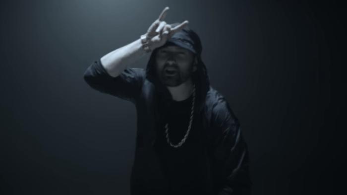 """Eminem è tornato con il nuovo video """"Venom"""" colonna sonora del film Marvel con protagonista Tom hardy"""