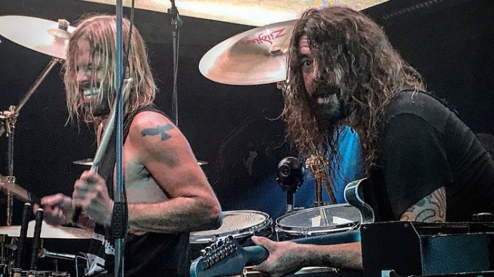 Dave Grohl ha rivelato a Billboard che i Foo Fighters si prenderanno una pausa dopo il tour