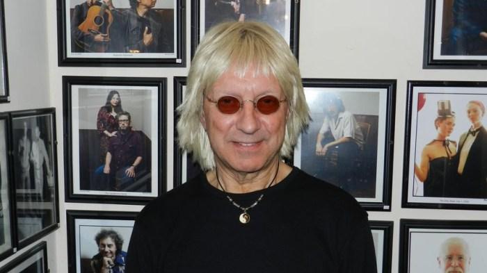 Il frontman dei The Records John Wicks è morto a 65 anni