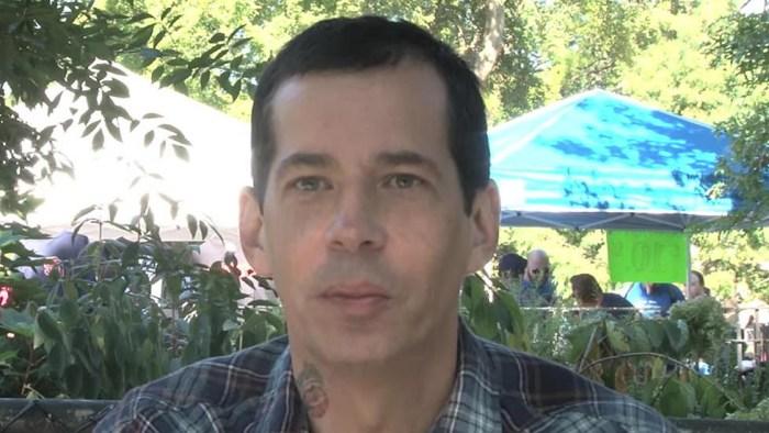 Todd Youth Schoefield chitarrista hardcore è morto a 47 anni