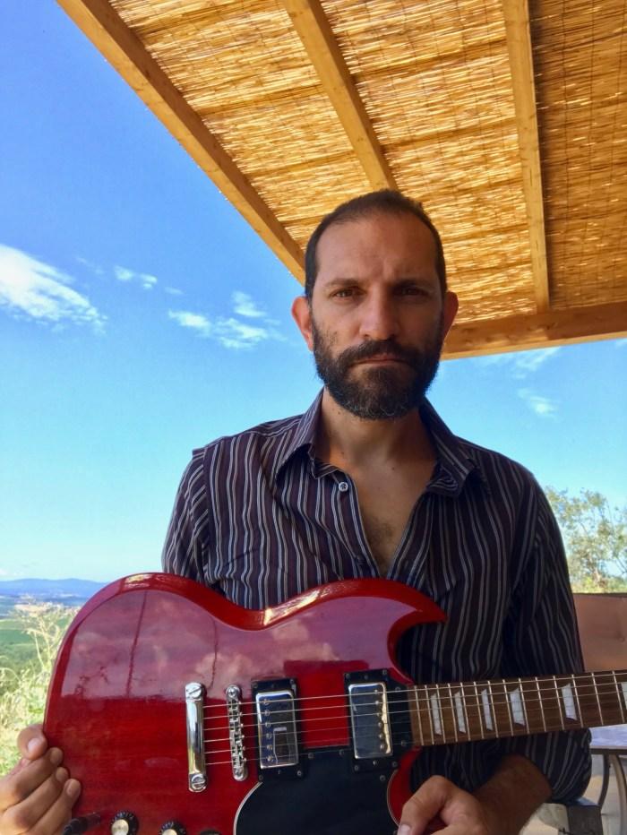 """Carmine Torchia è tornato con il nuovo album """"Il Rumore Del Mondo"""""""
