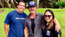 Eddie Vedder si è esibito alla Weinberg Estate alle Hawaii per beneficenza