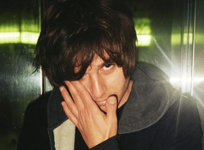 """""""V"""" è il singolo inedito di Francesco De Leo, prodotto da Stefano Ceri"""