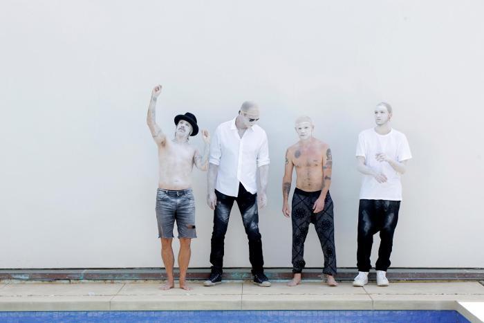 Red Hot Chili Peppers dal vivo tra le Piramidi d'Egitto il 15 marzo