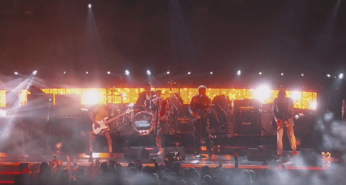 I Red Hot Chili Peppers hanno suonato sul palco dei Grammy 2019 con Post Malone
