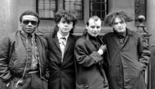 I Cure hanno reso omaggio alla scomparsa dell'ex membro Andy Anderson con una foto e una dedica su Facebook