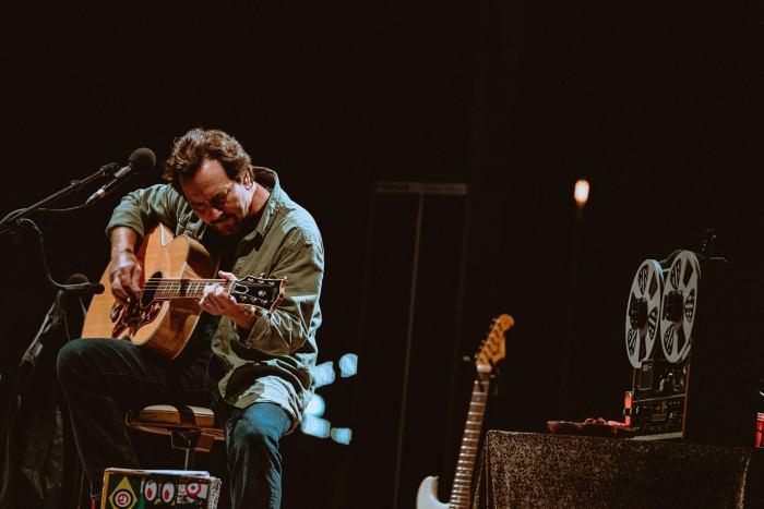 """Eddie Vedder ha coverizzato """"Maybe It's Time"""" dalla colonna sonora del film """"A Star Is Born"""" con Lady Gaga e Bradley Cooper"""
