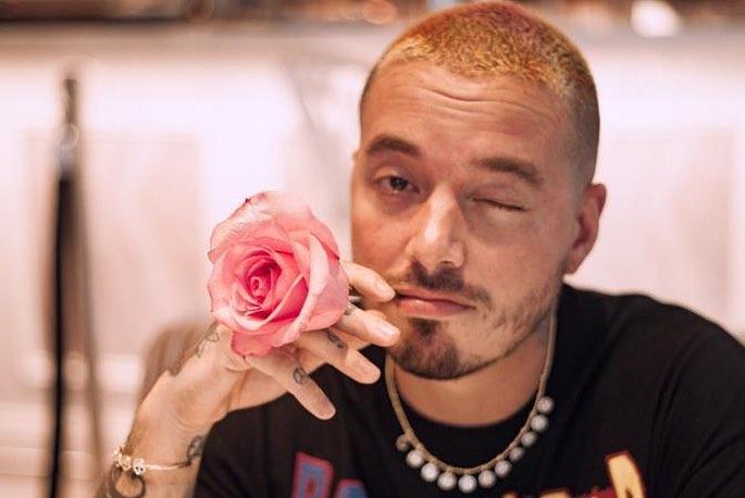 J Balvin dal vivo al Mamacita Festival il 14 giugno all'Ippodromo del galoppo di Milano