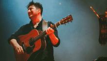 """I Mumford Ands Sons suonano a Cleveland la cover di """"Hurt"""" dei Nine Inch Nails"""