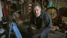"""Brother's Keeper"" è il nuovo singolo e video di Glen Hansard"