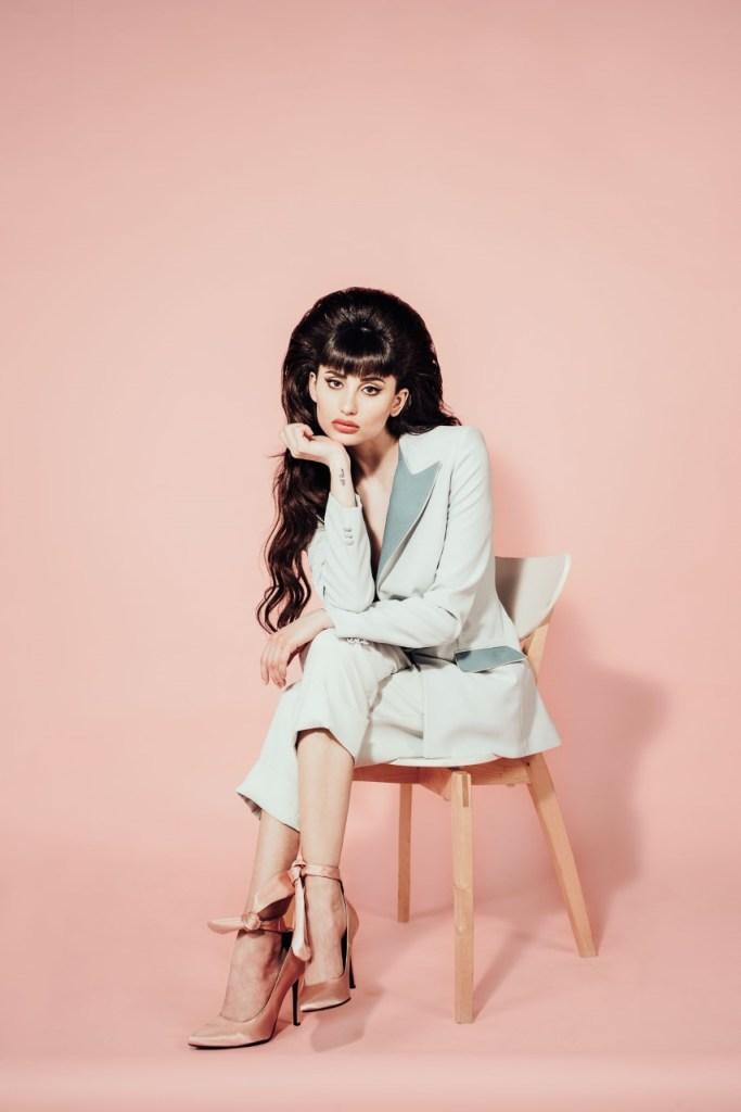 """Greta Menchi il nuovo singolo è """"Fuori Da Me"""" ed esce a maggio per Sony"""