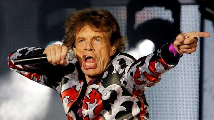 Mick Jagger è stato operato al cuore, parla il fratello Chris
