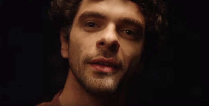 """Daniele Silvestri torna con """"La Terra Sotto i piedi"""" contenente il video e cortometraggio """"Scusate Se Non Piango"""""""
