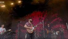 I Foals hanno suonato a sorpresa sul palco di Glastonbury 2019