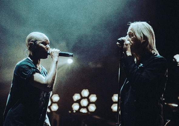 """Skunk Anansie e Paul Weller insieme sul palco per la cover live di """"You Do Something To Me"""""""