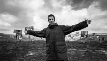 """Liam Gallagher dichiara la sua nostalgia per gli Oasis nel nuovo album """"Why Me? Why Not."""""""