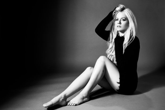 "Avril Lavigne in concerto il 16 marzo 2020 al Fabrique di Milano con ""Head Above World Tour"""