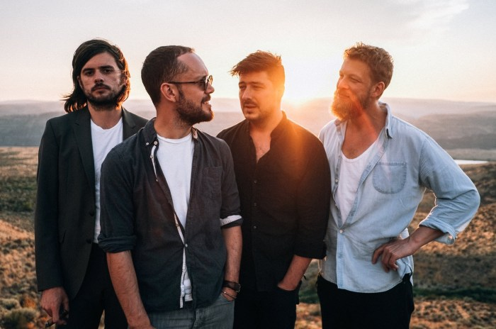 "Mumford & Sons nuovo brano inedito ""Blind Leading The Blind"""