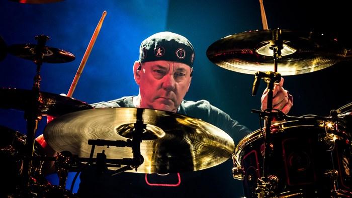 Neil Peart batterista dei Rush morto a 67 anni