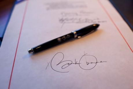 Obama - I Have A Pen