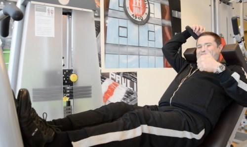 Видео Лечение анкилоза колена Контрольное обследование endoprotes См также Отзыв Рашида Халикова об операции и лечении в Эндоклиник Гамбург