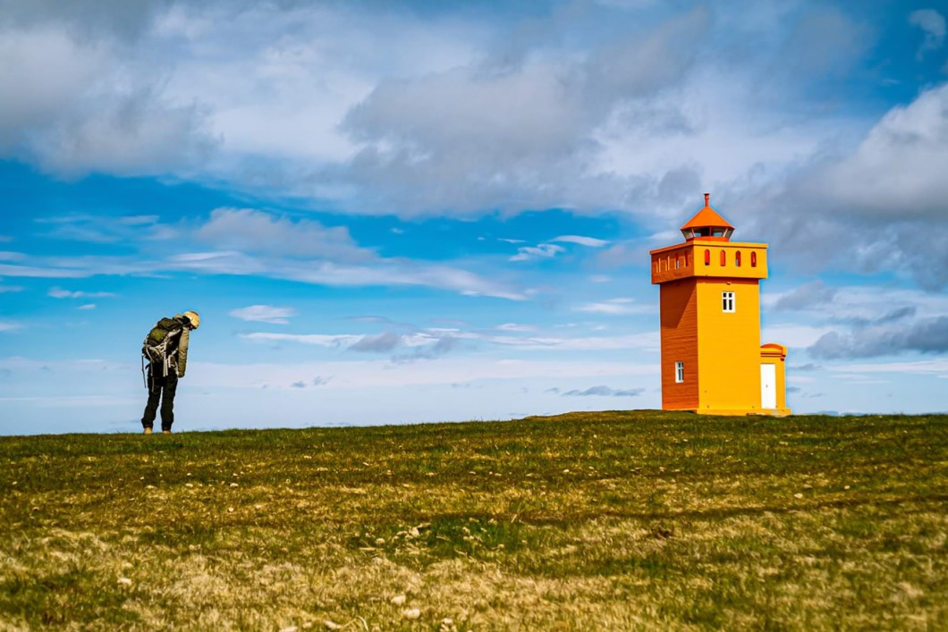 French Mathilde Morant painting a light house in Iceland photo by Aðalgeir Vignis