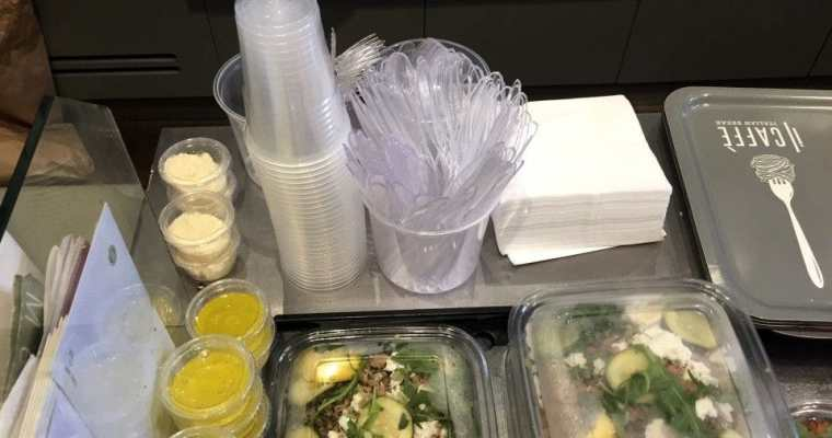 France becomes the first country to ban plastic plates and cutlery