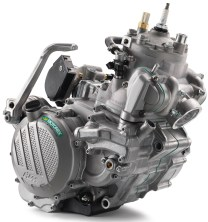 176958_KTM-XC-W-TPI-Engine-MY-2018-studio