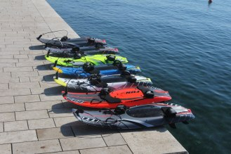 JetSurf-Board-Carbon-Fibre-Board-Powered-by-100cc-Engine-2