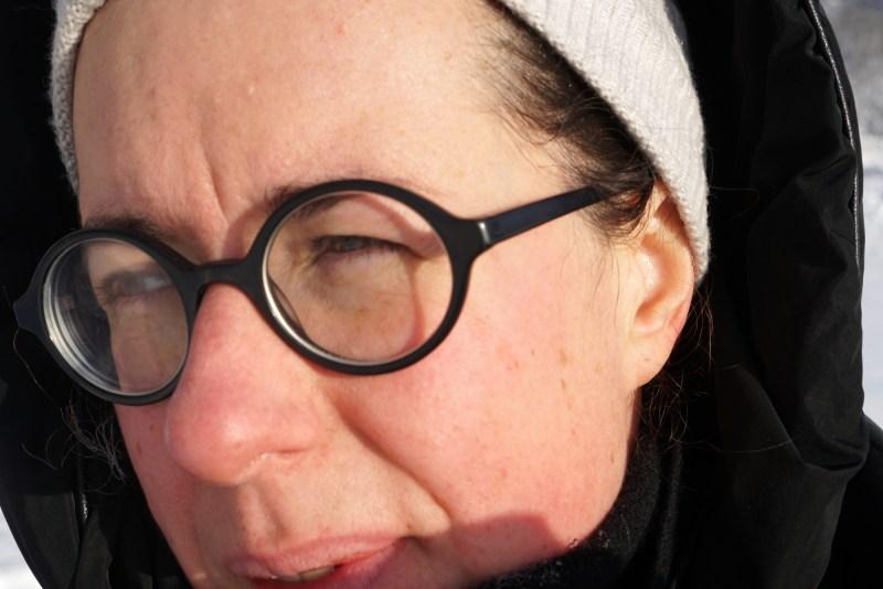 växla ner - Emilia Arvidsson som skriver bloggen. Glasögon