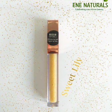 Moisturizing natural lip gloss
