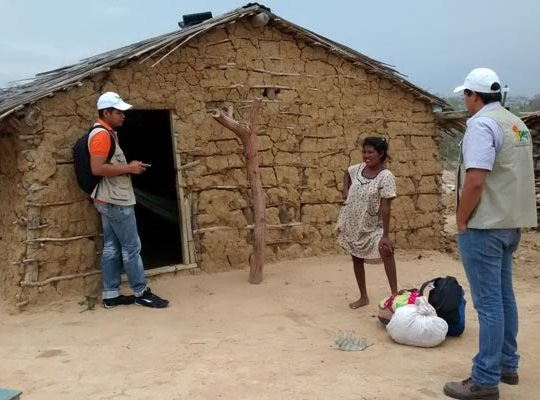 Encuesta con las comunidades de Manaure; Guajira; Foto: Equipo PERS Guajira