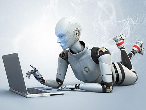 En este lapso se vencerán mitos como el que la inteligencia artificial quitarán empleo al humano, así como el miedo a la adopción a nuevas formas de trabajo