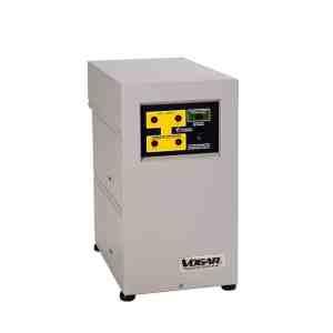 Regulador marca Vogar Bifasico con capacidad de 8 Kva, número de serie LAN-28. utilizan tecnología de conmutación mediante Tap Changer de 5 pasos
