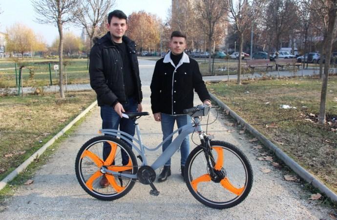 Makedonski studenti izumili električni biciklo s filterima za prečišćavanje zraka