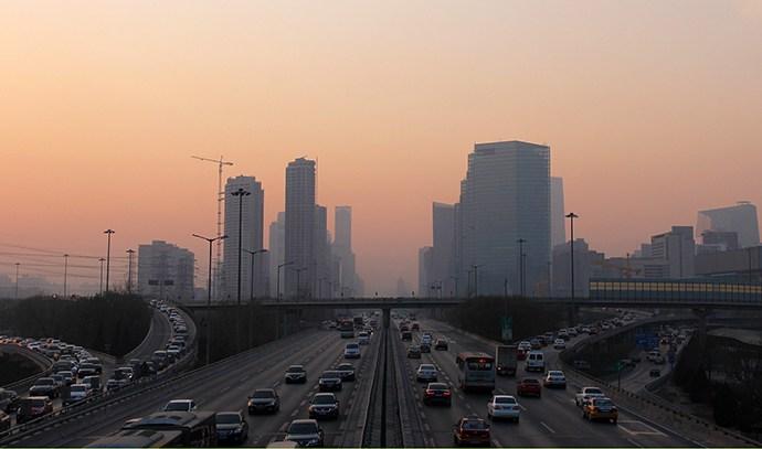 Peking za šest godina prepolovio zagađenje česticama PM2.5