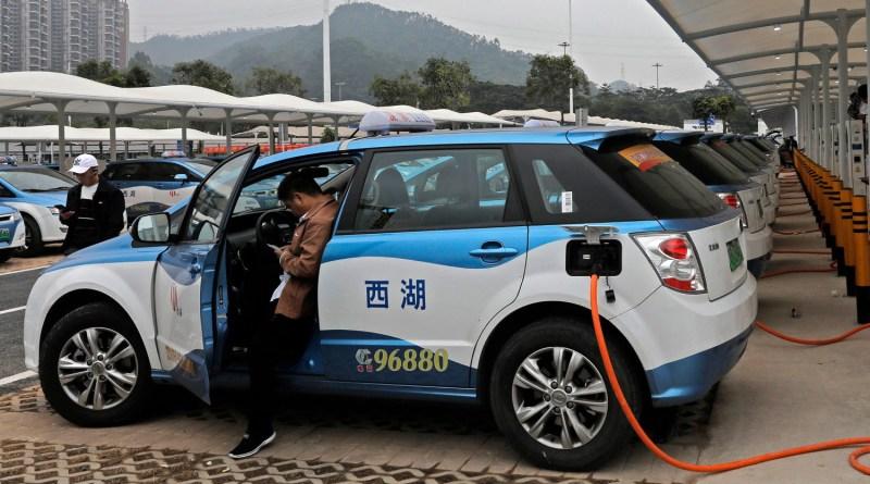 В Китае продолжается снижение продаж электромобилей