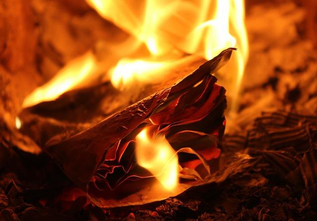 Negative Energien dem Feuer übergeben