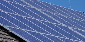 Nicht nur netzgebundene Solaranlagen werden gefördert. Auch Solarbatterien werden inzwischen gefördert. Hierdurch soll das Netz entlastet werden und der Eigenverbrauch erhöht werden