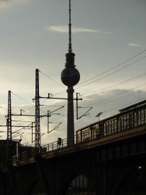 autobahnen-mit-oberleitungen-neues-projekt-von-siemens